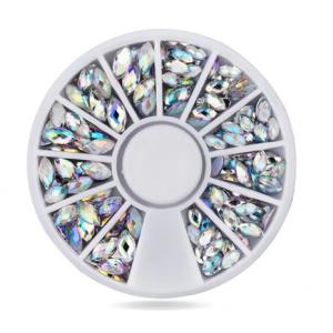 Стразы белые лепестки разного размера  500 шт колесо